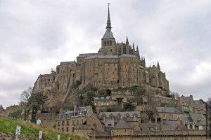 fr-st-michel-21-day-panorama.jpg